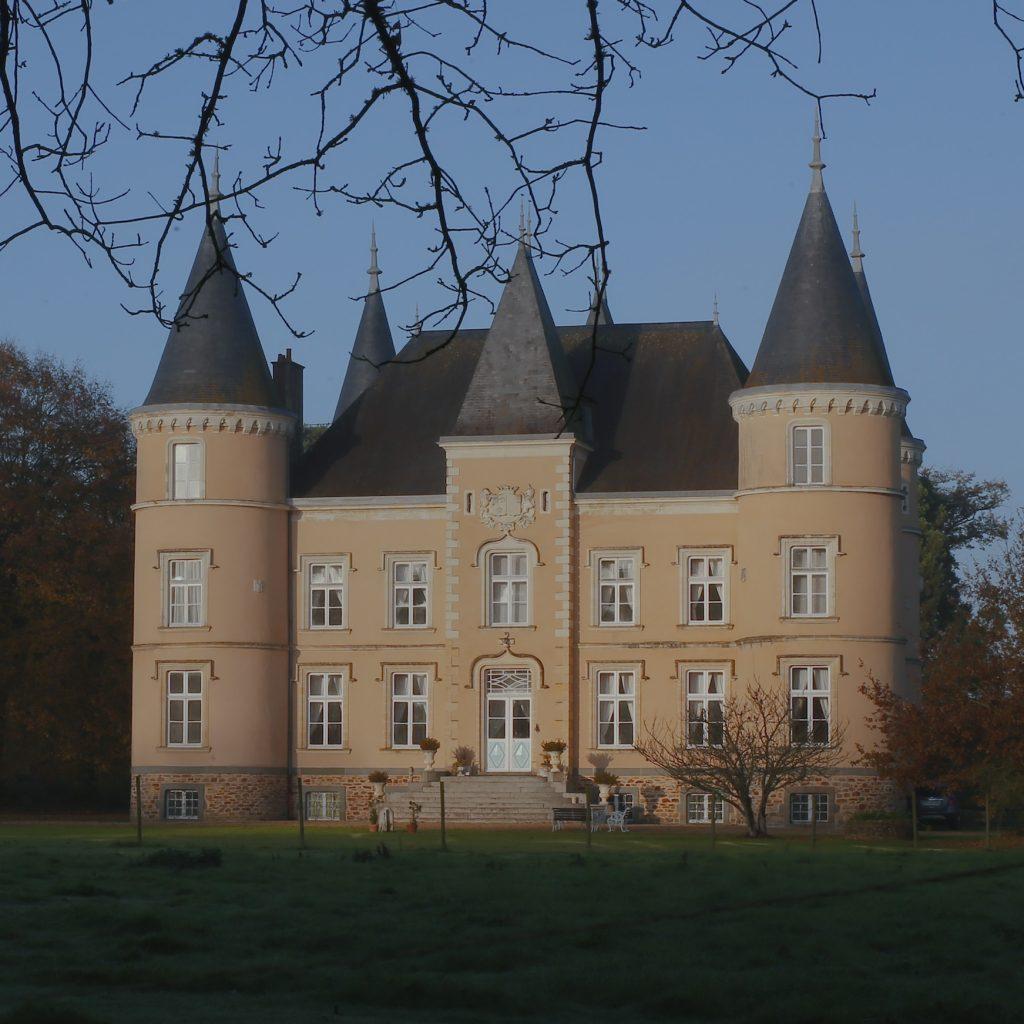 Chateau_Wide1_LRG